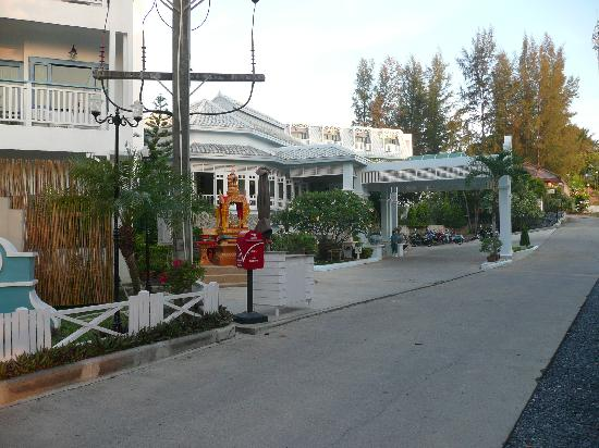 Andaman Seaview Hotel: Hotelanfahrt