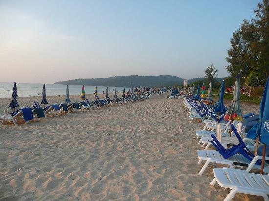 Andaman Seaview Hotel: Strand am Abend