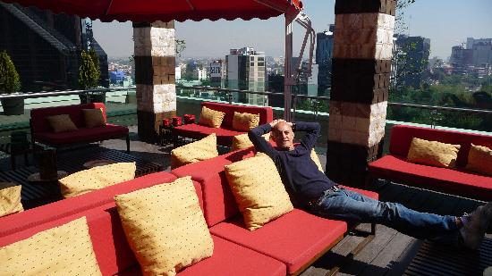 Mexico City Marriott Reforma Hotel: Relaxing Outdoors at  Executive Lounge on Top Floor
