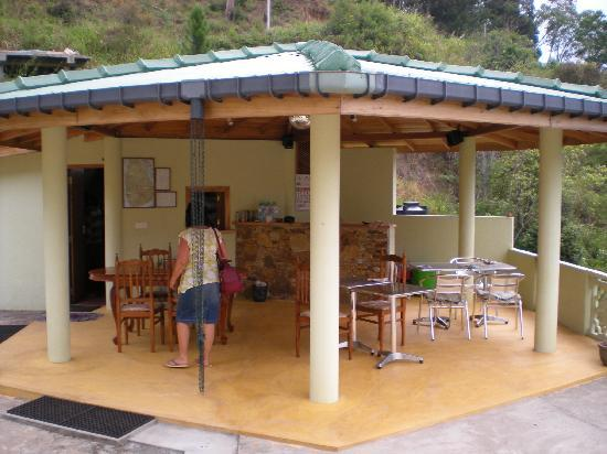 Zion View: Outdoor dining area