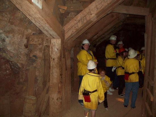Queen Mine Tours: Walking in the mine