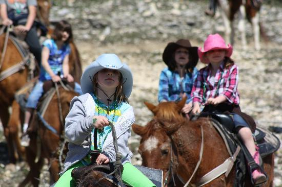 Dixie Dude Ranch: HORSE BACK RIDING