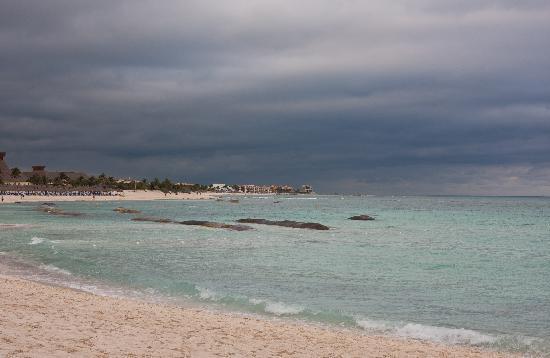 Grand Bahia Principe Coba: beach where the water has no rocks