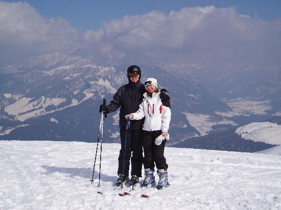 St Johann in Tirol, Østerrike: Kim and Stephen on top of the mountain