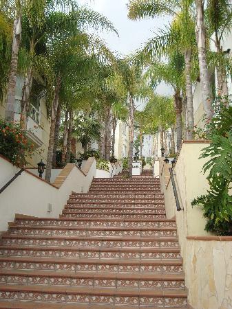 Gran Oasis Resort: Staircase - Oasis Resort