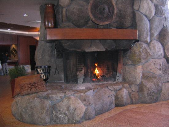 Resort at Squaw Creek: fieplace in the lobby
