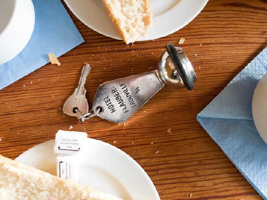 Le Flaubert: pe petite déjeuner au chambre