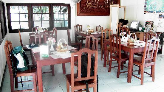 Sherwood House: Salle à manger avec à droite l'ordinateur