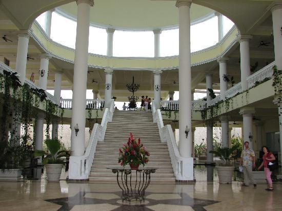 Grand Palladium Jamaica Resort & Spa: Jamaica Grand Stairway