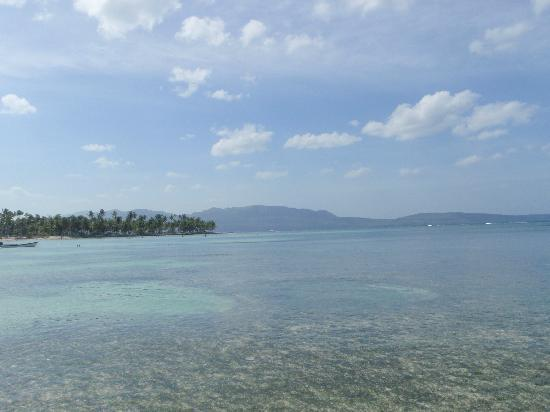 Grand Paradise Samana: to the far right side of the bay