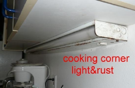 Sapphire Beach Resort: cooking corner rust