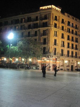 Regencia Colon Hotel: View of building across Square