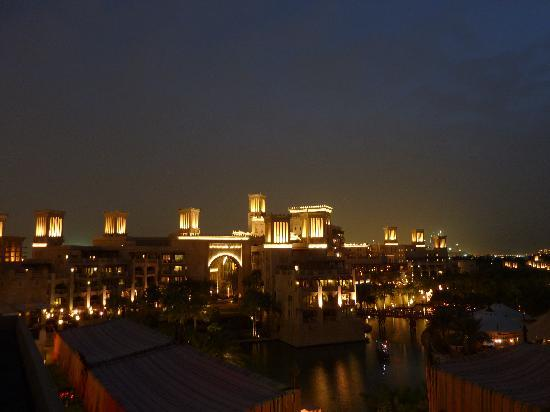 Jumeirah Dar Al Masyaf at Madinat Jumeirah: night view of resort