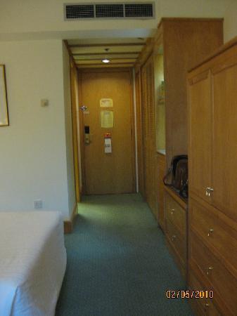 Radisson Hotel Brunei Darussalam: Hallway~Room # 208~February 2010