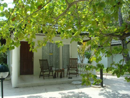 Holiday Island Resort & Spa: Our Villa, very spacious inside.