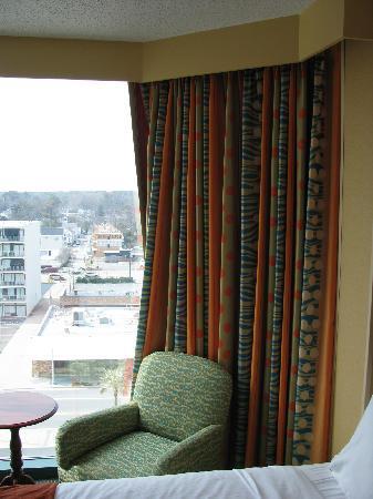 Holiday Inn Express Hotel & Suites Virginia Beach Oceanfront: Huge bay window overlooking city side