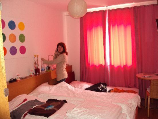 Creatif Hotel Elephant: pink room1