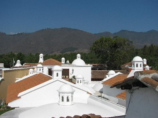 La Villa Serena: rooftop views of Antigua domes