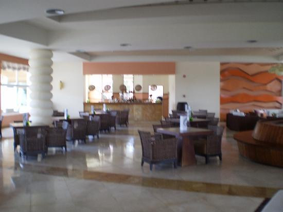 Secrets Royal Beach Punta Cana: Lobby