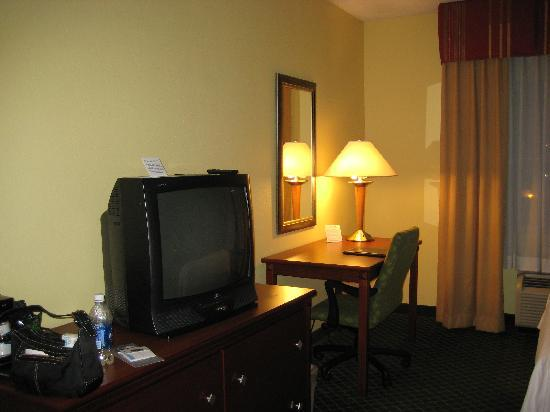 Fairfield Inn Lumberton: Desk