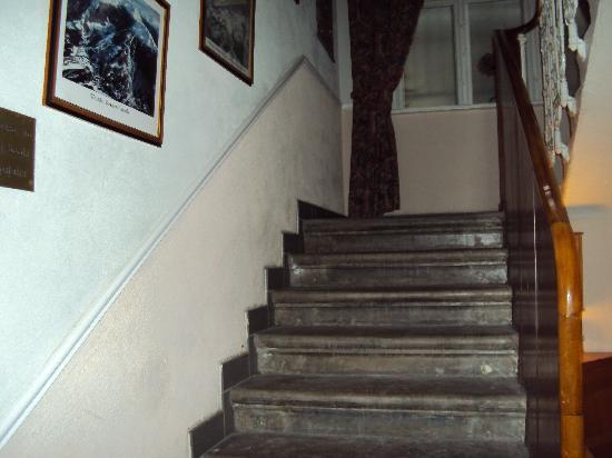 Chalet-Hotel Tannenburg: Stairway to hell!