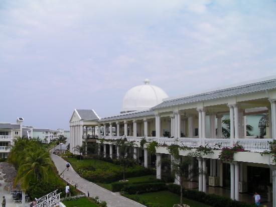 Grand Palladium Jamaica Resort & Spa: Main building-part of it