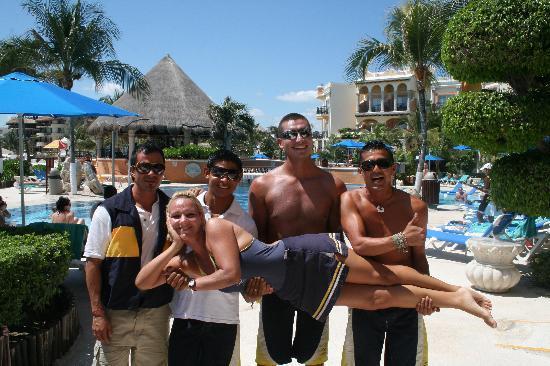 Panama Jack Resorts Playa del Carmen: Awesome pool staff!