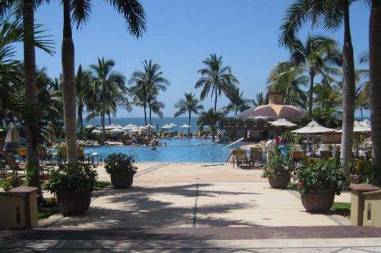 Villa La Estancia Beach Resort & Spa Riviera Nayarit: View of the pool area from the lobby
