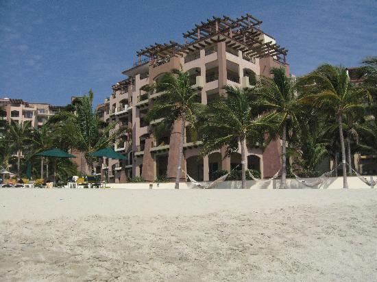 Villa La Estancia Beach Resort & Spa Riviera Nayarit: View of our suite from the beach