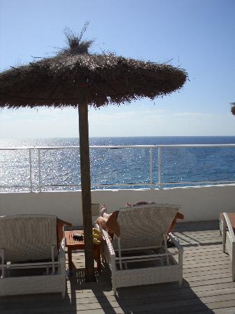 Vincci Tenerife Golf Hotel: Sunbathing area