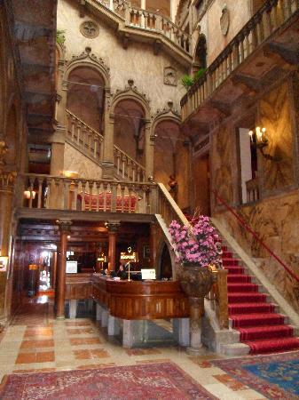 Hotel Danieli, A Luxury Collection Hotel: Stunning lobby