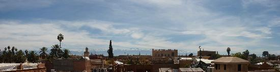 Dar Taliwint: Panoramic of the Atlas mountains from the terrace