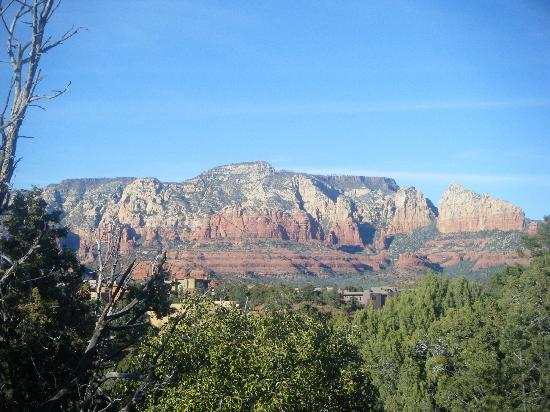 Best Western Plus Inn of Sedona: View from 2nd level terrance