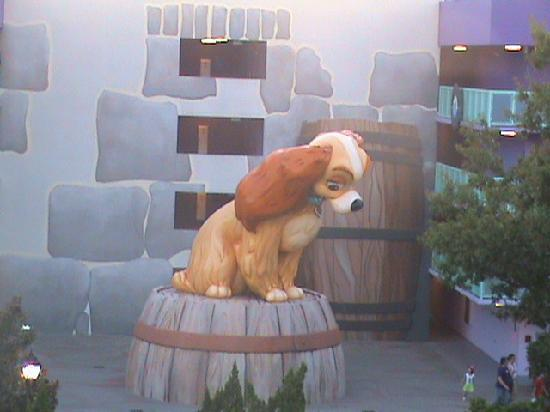 Disney's Pop Century Resort: Dama