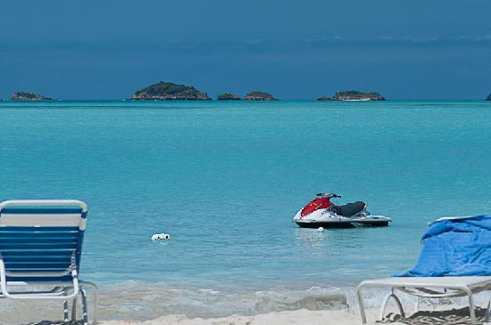 Starfish Jolly Beach Resort: Vue de la plage