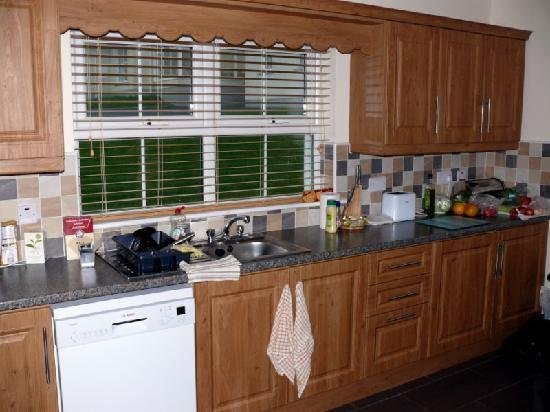 Downings Coastguard Cottages: Kitchen