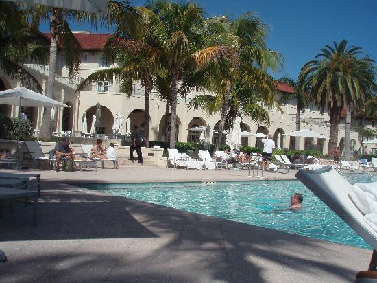 Casa Marina Key West, A Waldorf Astoria Resort: The Casa Pool at the end of the day!