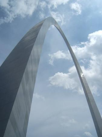 Saint Louis, MO: Cool shot of the 'Gateway Arch' in St. Louis, MO