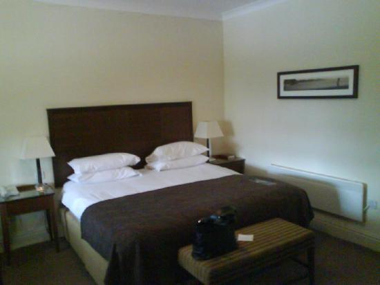 Macdonald Portal Hotel, Golf and Spa: comfy bed