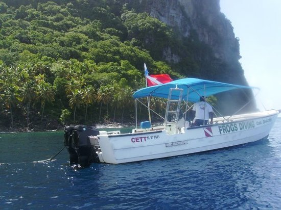 "Superman's Flight : WE  HAVE  ARRIVED  TO  THE  BASE  OF  THE  PITONS AT  THE  DIVE  SITE  NAMED: ""SUPERMAN's  FLIGH"
