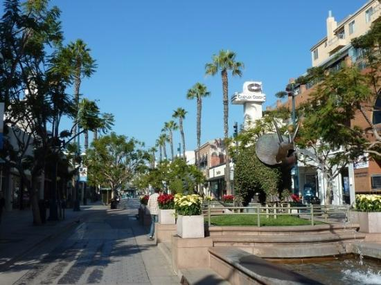 Hotels Near Rd Street Promenade