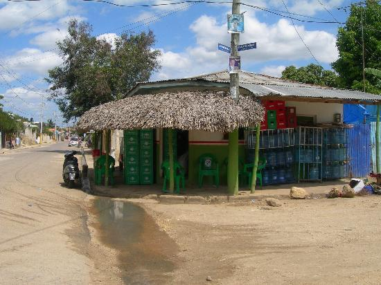 """Punta Cana Mike's Private Dominican Adventure: local """"7-11"""""""