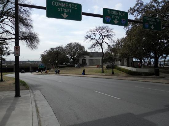 Dallas, TX: Εδώ πυροβολήθηκε ο Kennedy