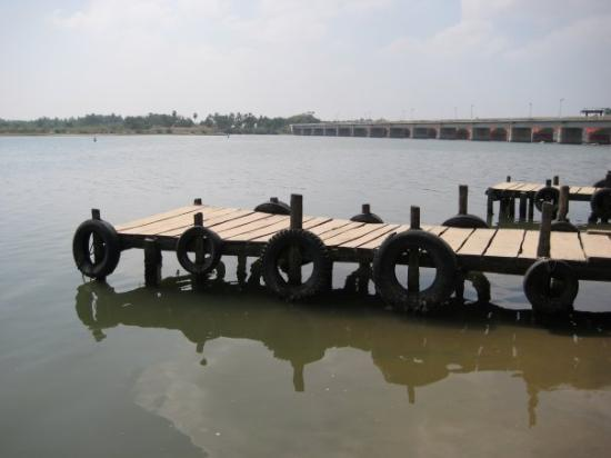 Pondicherry, India: The jetty to go to Chunnambar backwater