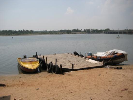 Pondicherry, India: The jetty to go to Chunnambar backwater