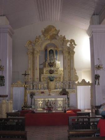 Calangute, Índia: Altar At The Our Lady Of Health, Cuncolim