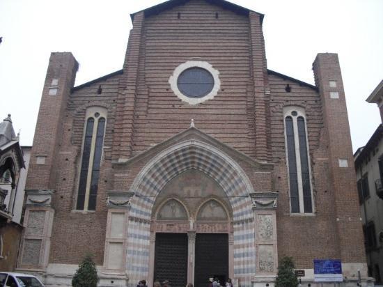 Verona, Italia: Santa Anastacia Bazilikasi --- Santa Anastacias's Basilica