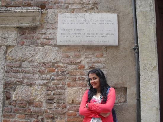 Verona, Italia: Romeo'nun evi -- Romeo's home