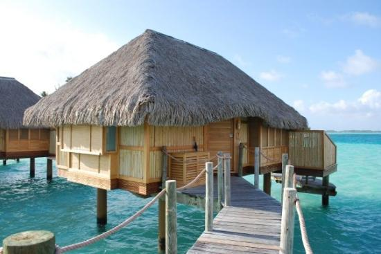 Bora Bora Pearl Beach Resort & Spa: Our over-the-water bugalow- Bora Bora