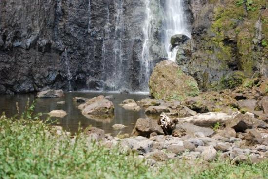 Tahiti, Fransk Polynesia: pretty waterfall